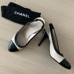 Chanel Leather Slingback Heels Care Bag Gold Logo